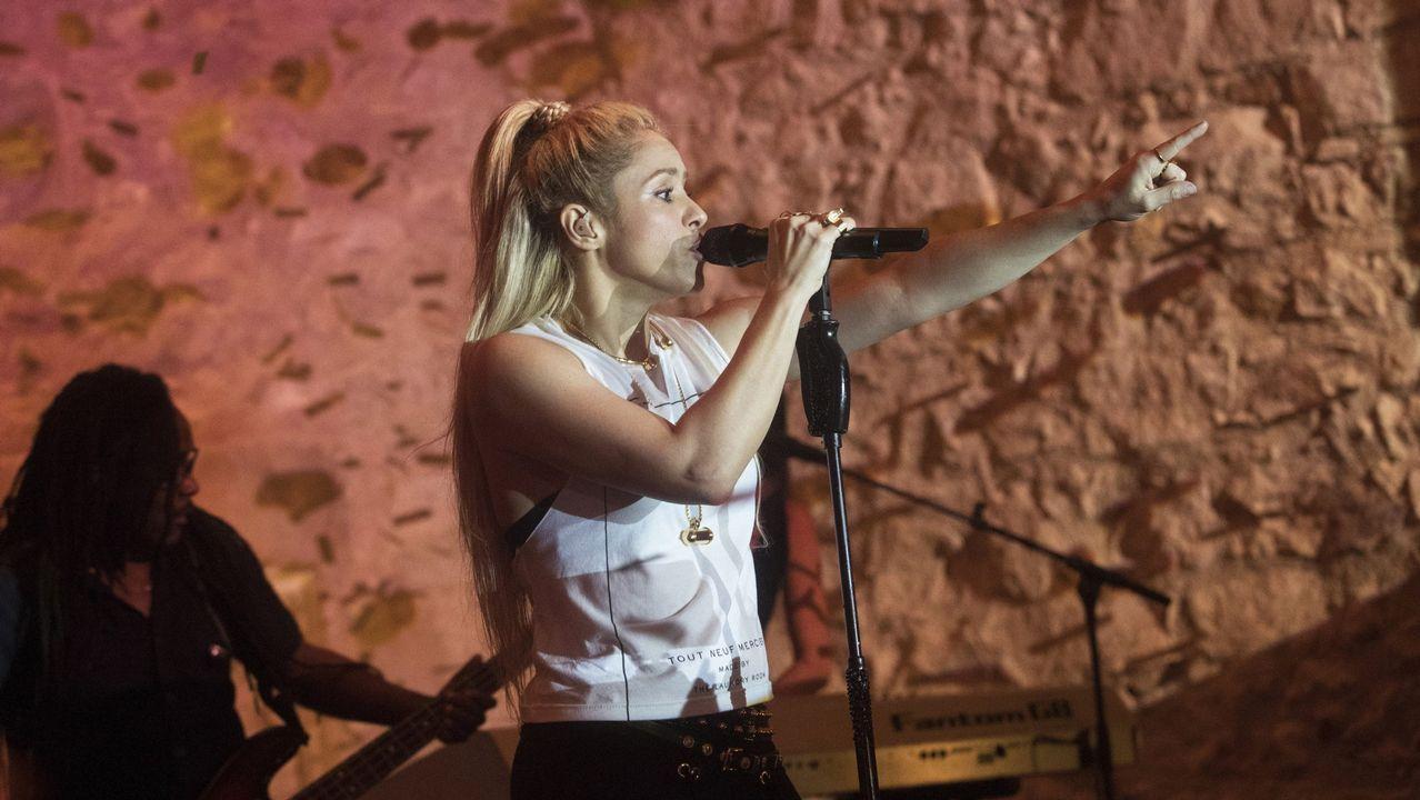 .La cantante colombiana Shakira durante la presentación de su último trabajo  El Dorado , en una fiesta privada celebrada esta noche en el Convent dels Angels, en Barcelona.