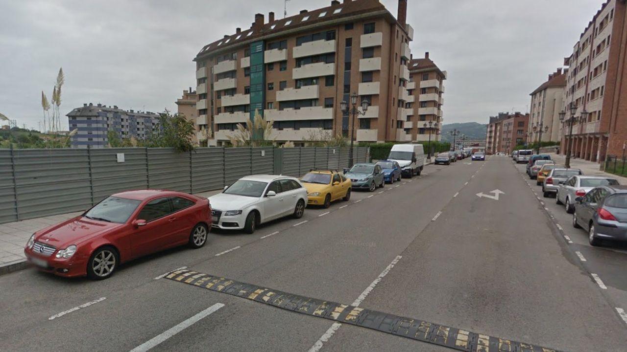 El muerto en El Berrón se desorientó al tratar de escapar del fuego.Calle Santiago de Compostela (Ciudad Naranco)