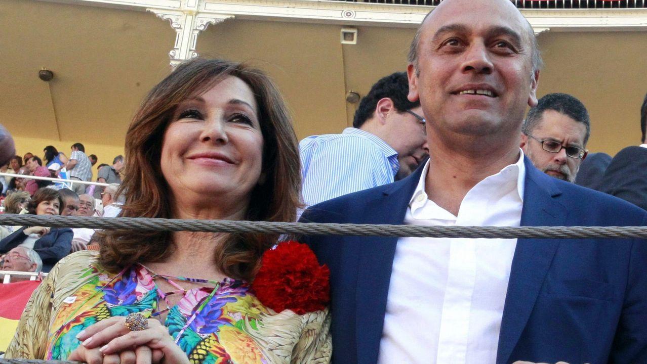 .Ana Rosa, junto a su marido Juan Muñoz