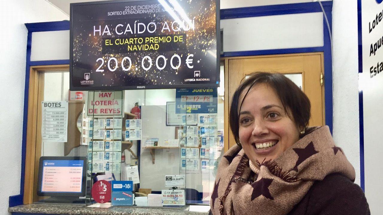 Belinda Bañobre, esta mañana en su despacho de lotería