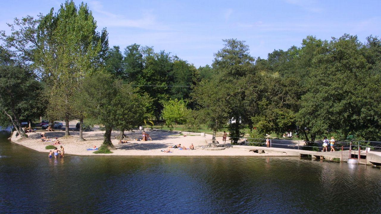 A Freixa. La presa del río Tea, afluente del Miño, propició esta área de recreo dotada con todo tipo de servicios
