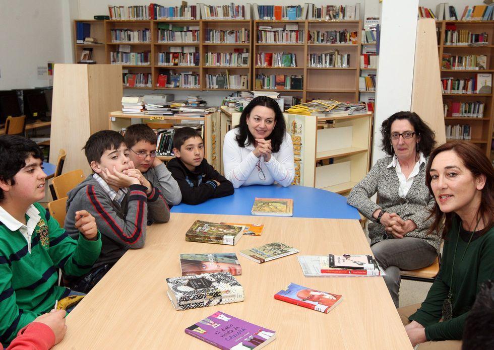 Una treintena de alumnos se han sumado al club de lectura del instituto de A Illa.