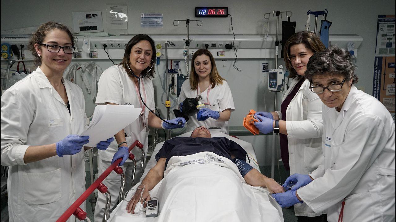 Médicos de Colmeiro en una protesta reciente contra la desconvocatoria de la huelga en atención primaria
