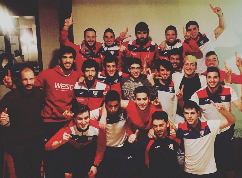 Los futbolistas del Chantada B celebraron el pasado domingo el ascenso de categoría con una cena.