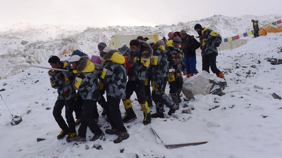 Hace una año una avalancha acabó con la vida de 16 sherpas