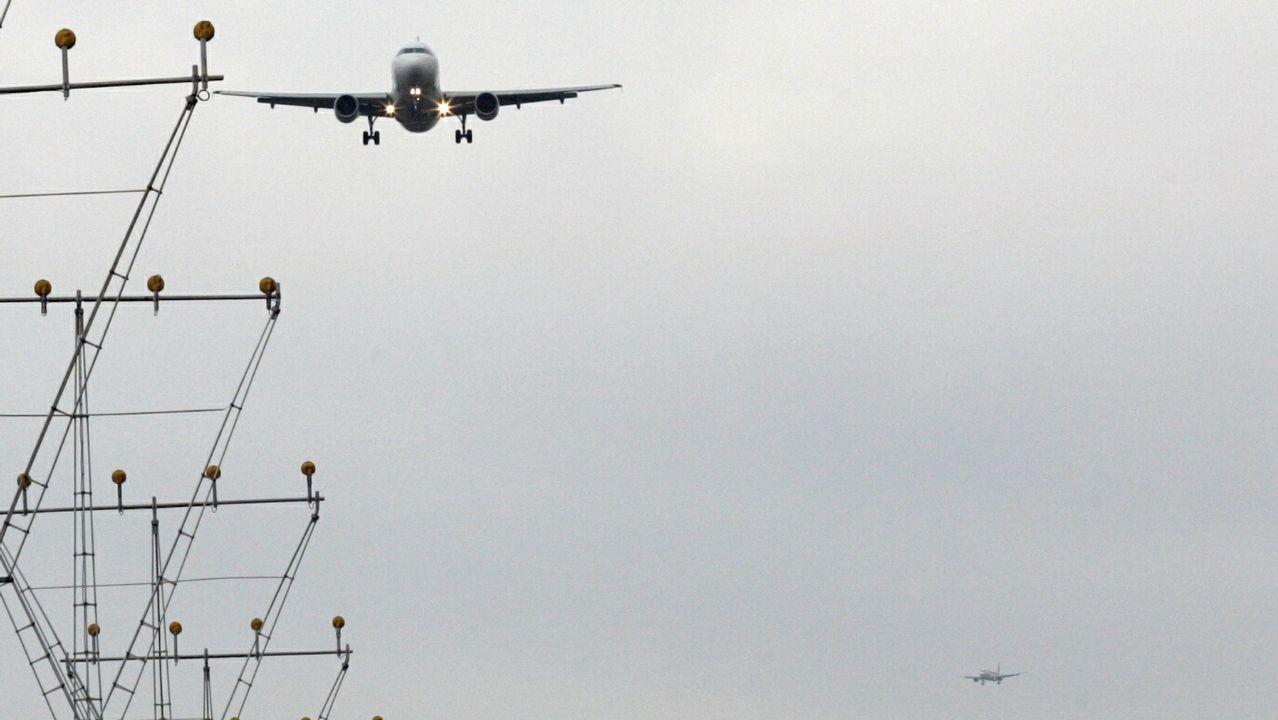 Jaime García-Legaz: «Me hiere, me duele que un millón de gallegos usen el aeropuerto de Oporto».Imagen de archivo de la imagen corporativa de Iberia hasta hoy.