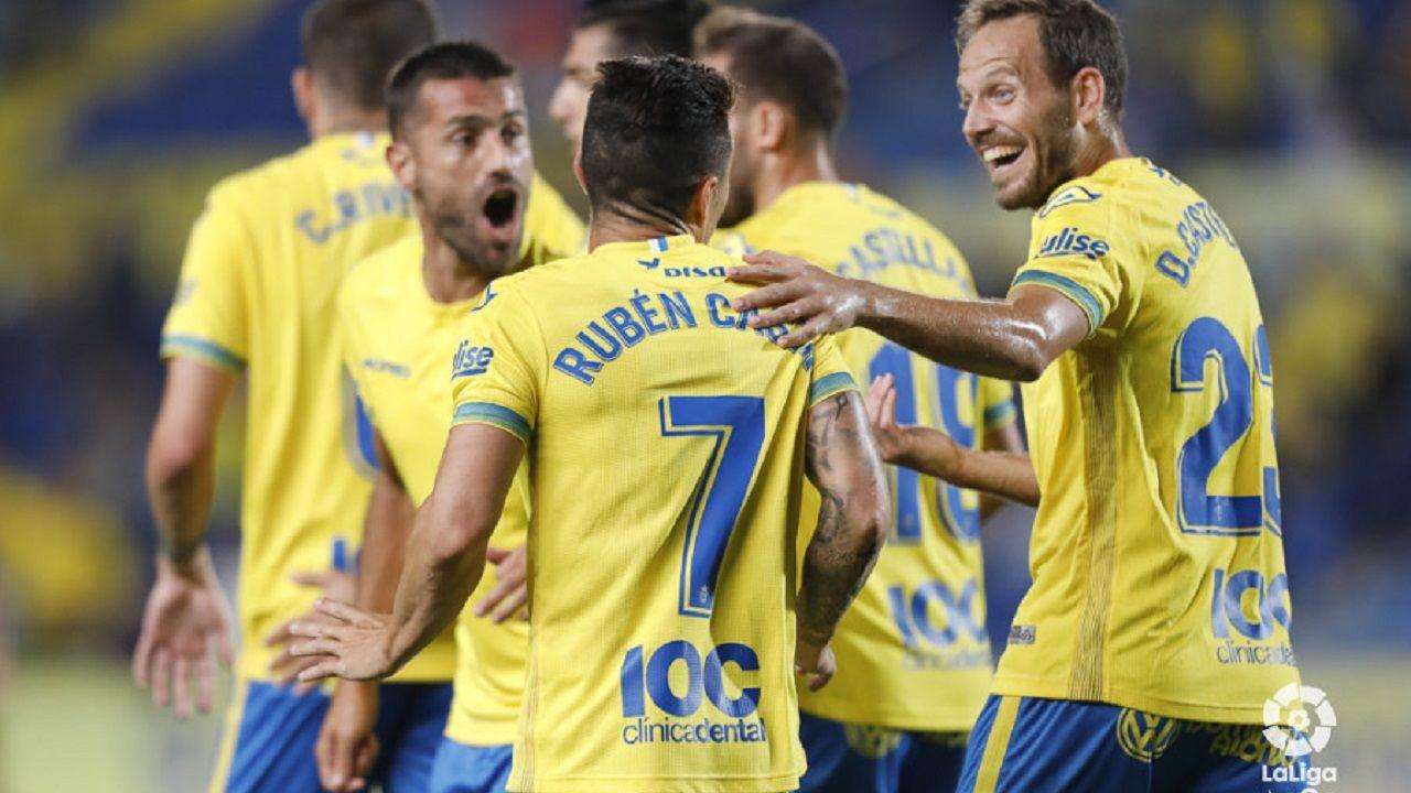 .Jugadores de Las Palmas celebran uno de los tantos de Rubén Castro al Reus