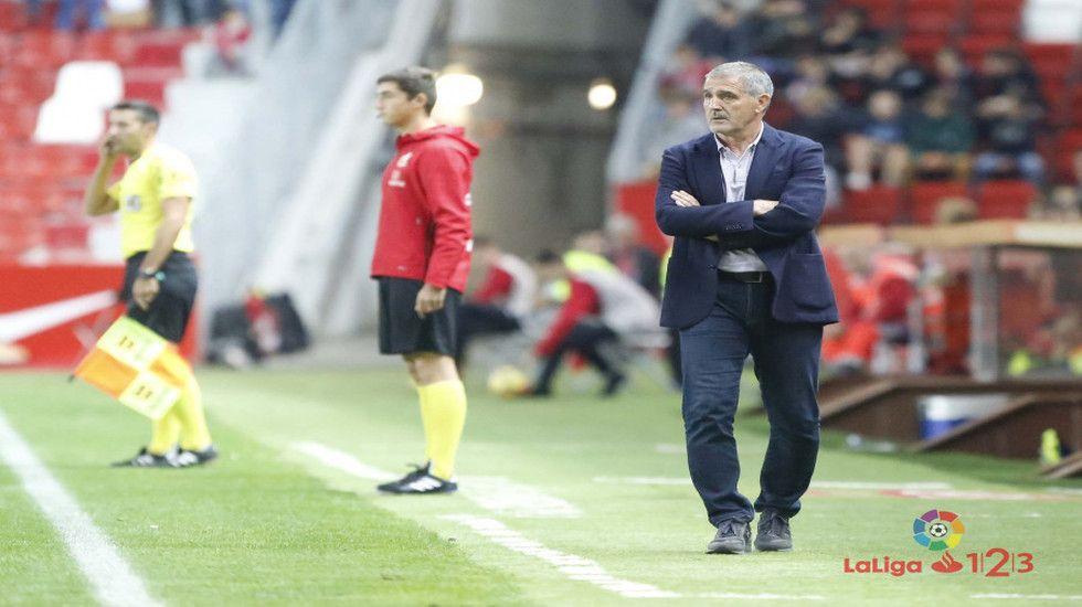 Paco Herrera durante el partido ante el Almería