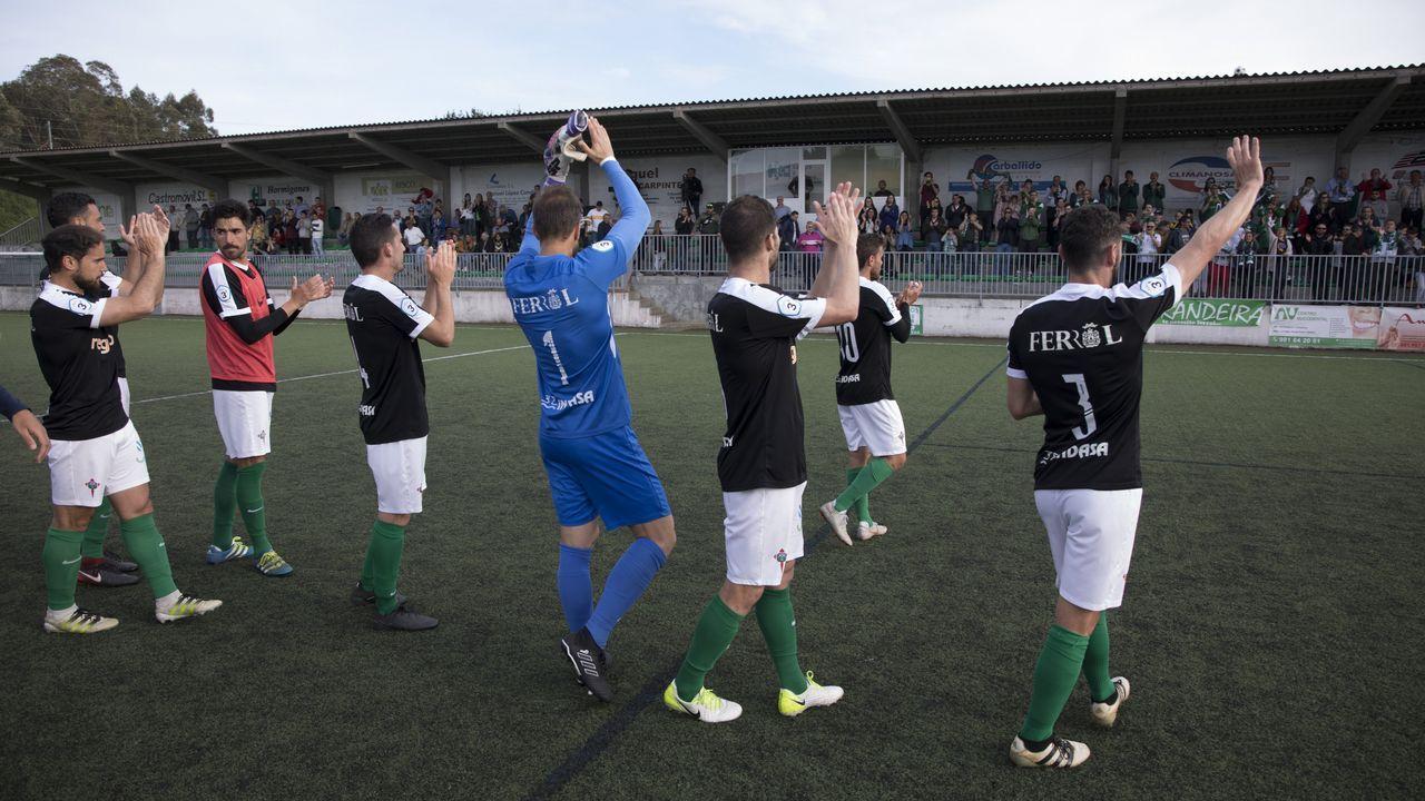 Gol Javi Cueto Izarra Vetusta.Javi Cueto celebra su gol frente al Izarra