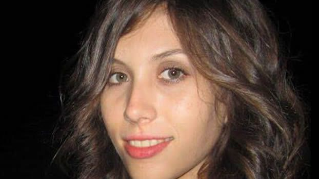 teléfono móvil, conductor, volante.La joven fue asesinada en diciembre de 2016