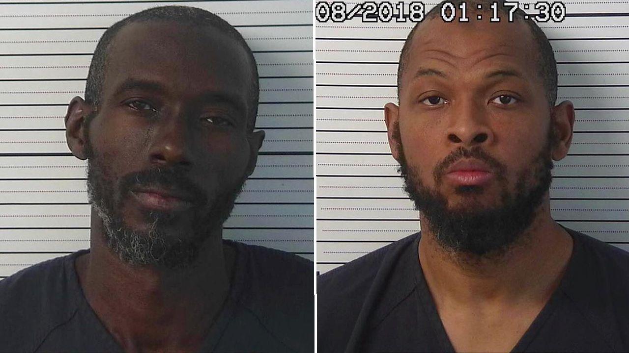 A la izquierda Lucas Morton, que actuaba como líder del grupo para proteger sus ideas islamistas. A la derecha, Siraj Wahhaj, que estaba bajo vigilancia por la desaparición de su hijo de tres años