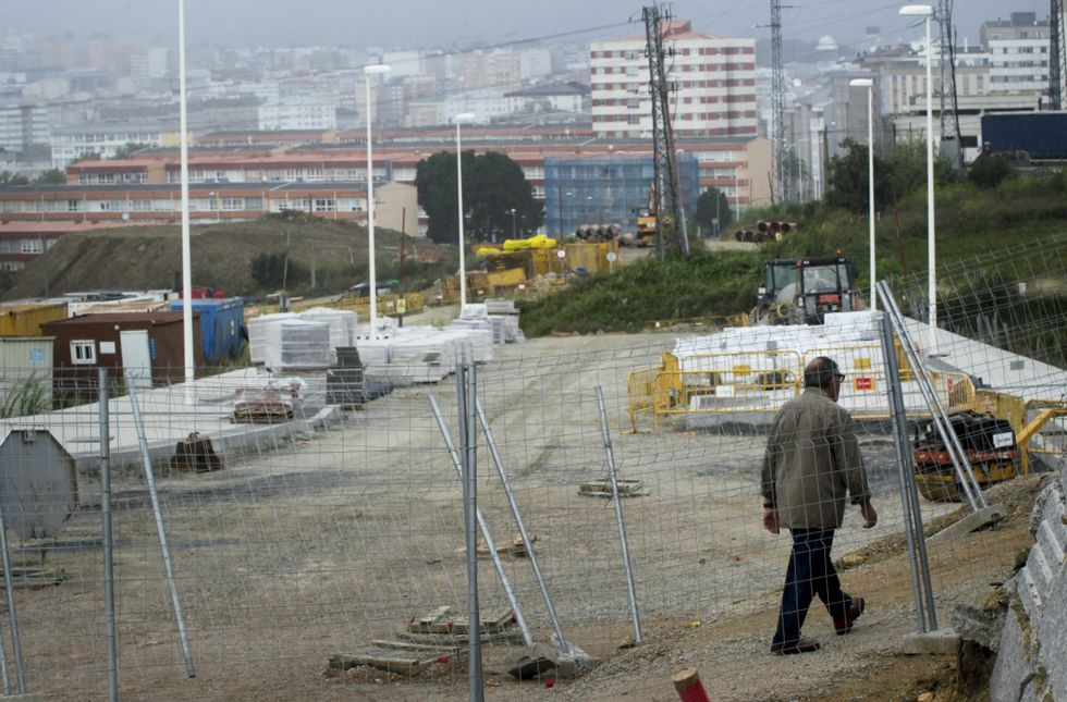 La Ciudad de la Cultura, un complejo cubierto de obras.Las obras de urbanización del Ofimático se encuentran actualmente muy avanzadas.
