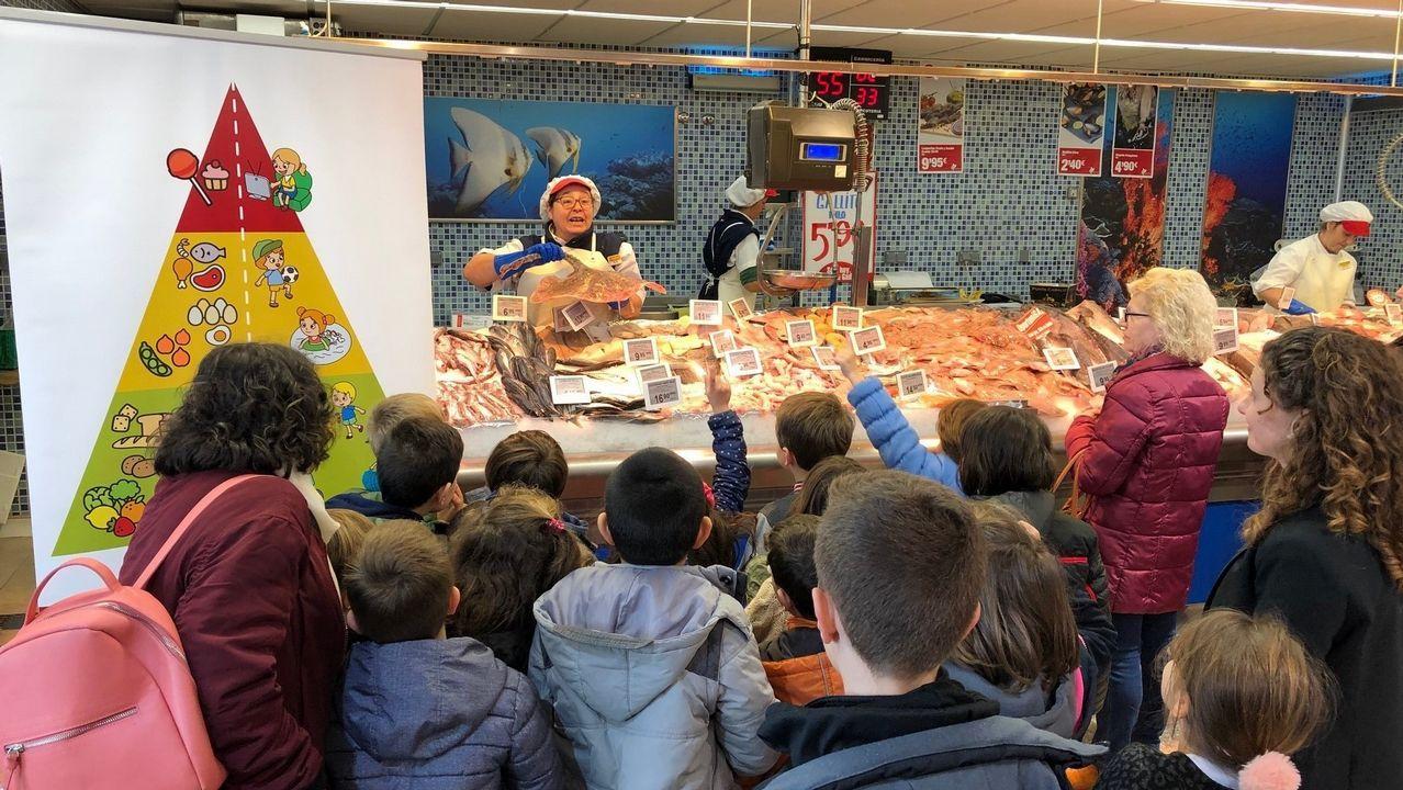 Los alumnos también realizan visitas a los supermercados Gadis