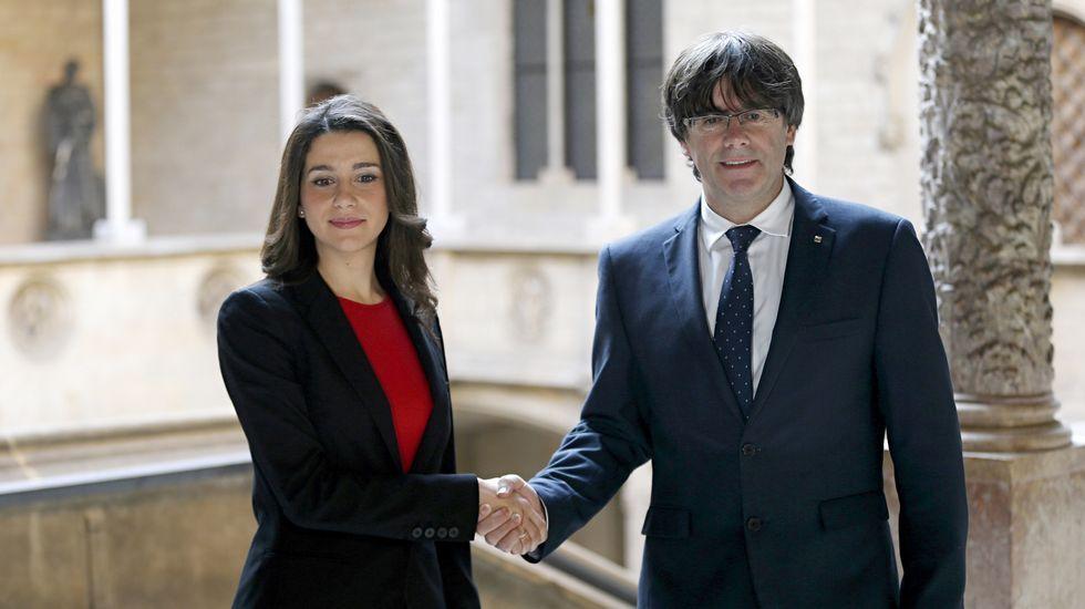 Albert Rivera: «No pidamos sillones. A ver si pueden aceptar la apuesta».Rajpy, con Rafael Hernando y Soraya Sáenz de Santamaría