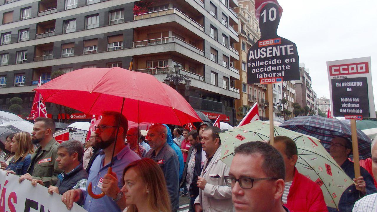 La manifestación de los trabajadores de las empresas auxiliares del naval, en imágenes.Manifestación para protestar contra la siniestralidad laboral en Oviedo