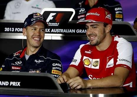La lluvia aplaza la calificación en Australia.Vettel y Alonso bromean durante la rueda de prensa.