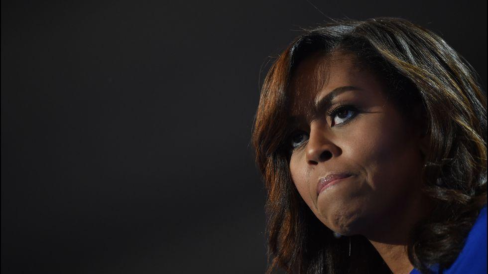 Michelle Obama apoya a Hillary Clinton con un mensaje conmovedor.