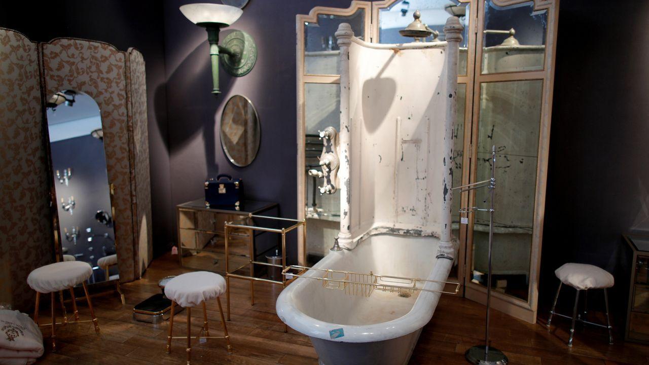 Objetos de baño que subastará la casa Articurial