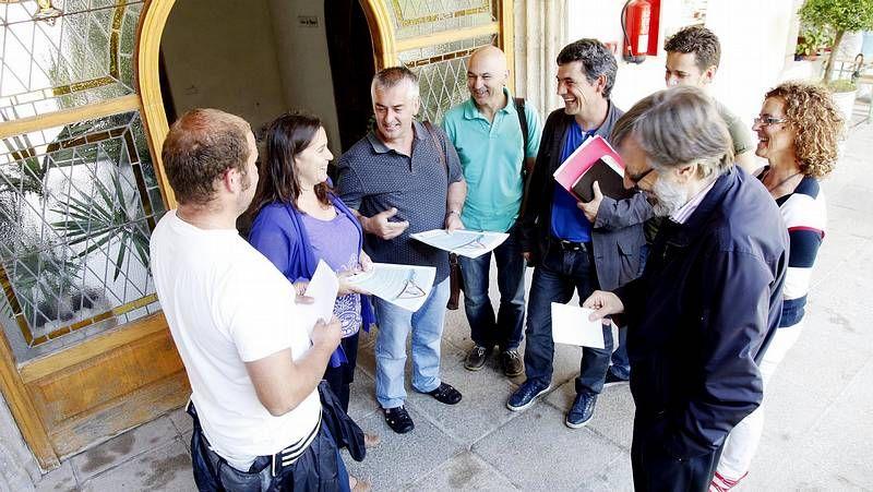 Cerdeiras muestra la fábrica a los representantes del BNG