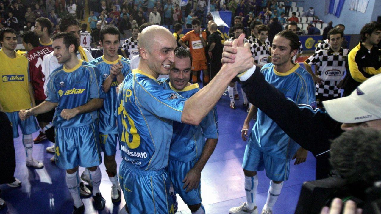Linares derbi Real Oviedo Sporting Carlos Tartiere.Linares, durante el derbi en el Carlos Tartiere ante el Sporting