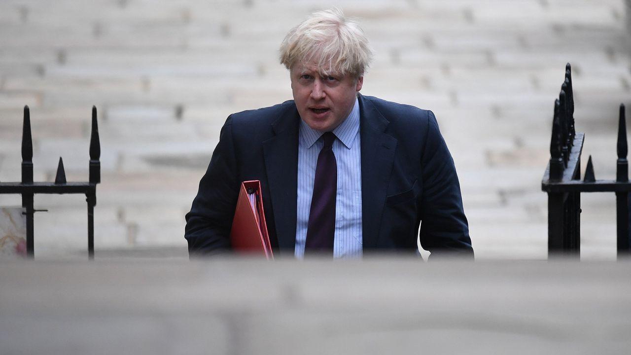 El ministro de Asuntos Exteriores británico, Boris Johnson, a su llegada a Downing Street para participar en una reunión del gabinete de May