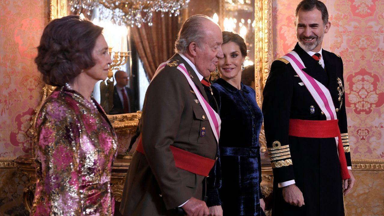 Felipe VI agradece a Don Juan Carlos su «compromiso» y «lealtad».Matilda Joslyn Gage describiu por primeira vez o silenciamento das mulleres científicas