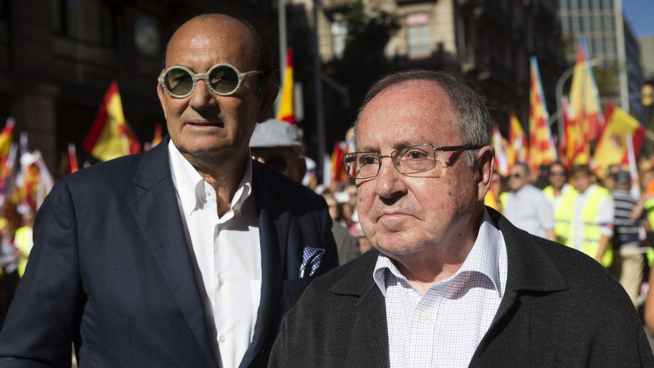 El presidente de Freixenet, José Luis Bonet (derecha), en la manifestación de Barcelona.