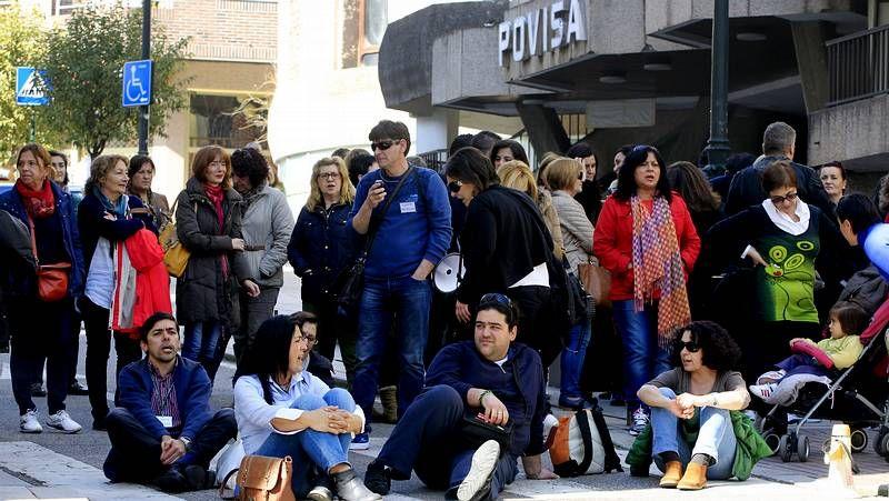 Segunda jornada de huelga en Povisa.Manifestación de UGT y CC. OO. en A Coruña