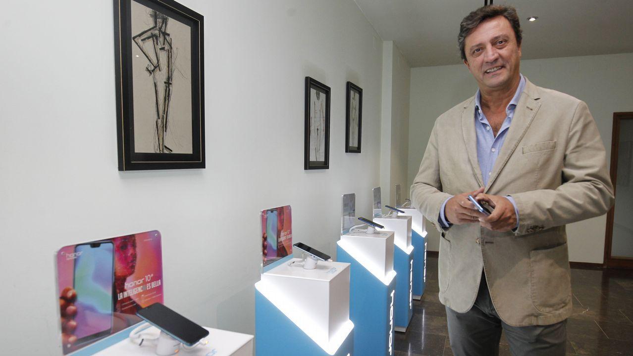 Las joyas del Carclassic Museum de Mos.Javier Palacios, director de Márketing de Honor para Europa occidental, ayer en Santiago