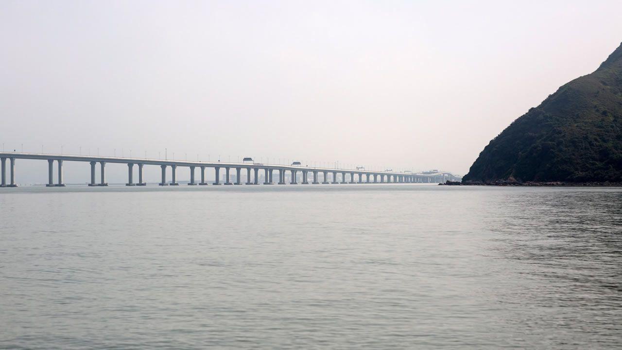 El nuevo puente de 55 kilómetros sobre el delta del río de las Perlas