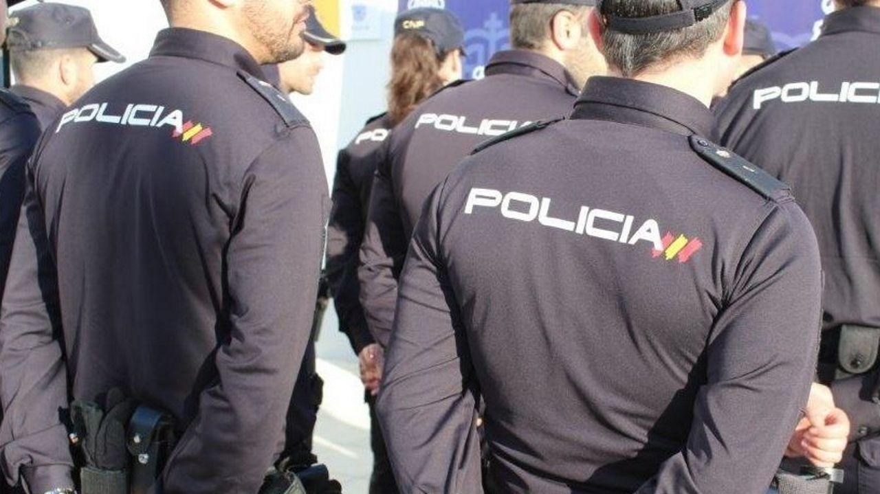 Madrid.Los agentes de la Policía Nacional localizaron el coche sustraído a los pocos minutos en un aparcamiento de un centro comercial