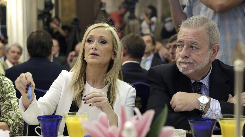 El secretario de Estado de Administraciones Públicas, Antonio Beteta, junto a la presidenta de la Comunidad de Madrid, Cristina Cifuentes