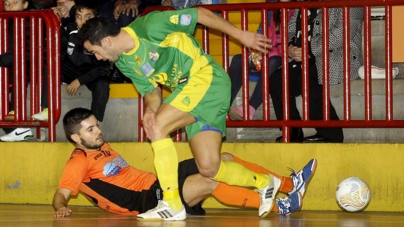 Penélope Cruz y Miguel Bosé se dicen adiós.El Santiago no pudo con el colista Burela en el derbi.