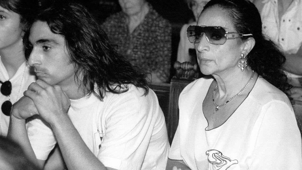 Lola Flores cuenta su vida en un documental que grabó para la televisión.Imagen de archivo de Lola Flores y su hijo Antonio
