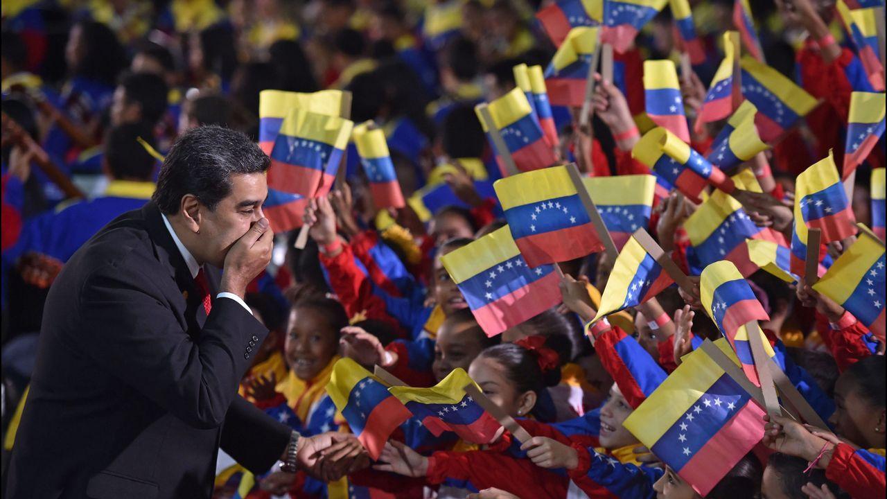 Pasan a disposición los detenidos por el alijo de droga del año.Cientos de personas denunciaron en Caracas la «ilegitimidad» de Maduro como presidente