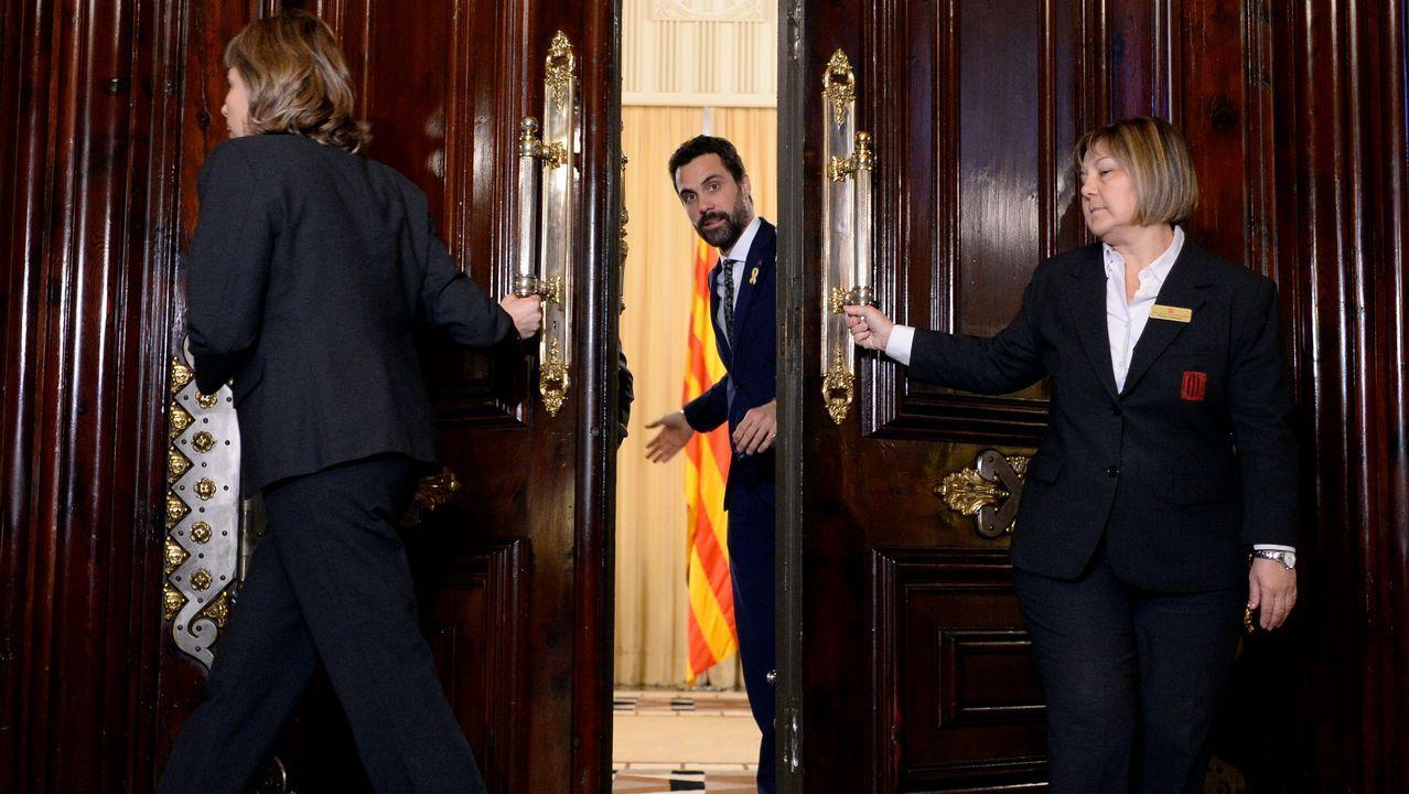 Roger Torrent: «Propongo al diputado Carles Puigdemont como candidato a la presidencia de la Generalitat».Carles Puigdemont y el presidente del Parlament, Roger Torrent, durante una reunión en Belgica el pasado miercoles