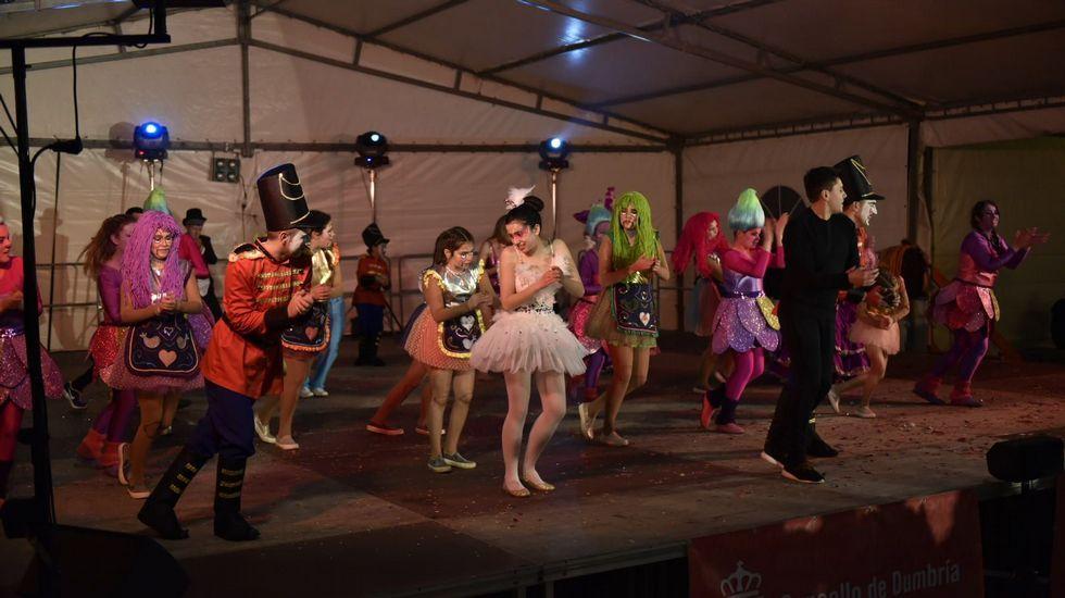 Os da charca , de Fisterra, en el concurso de Carnaval de Dumbría