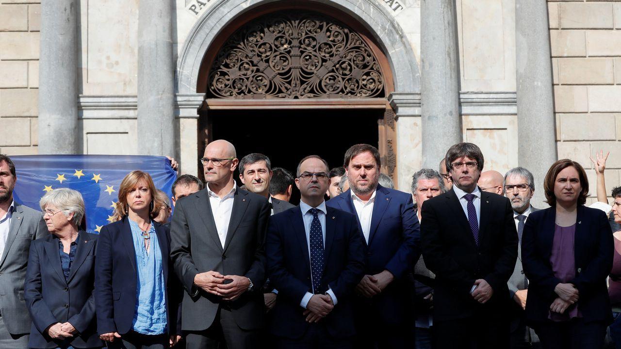 .Concentración del Govern y de Ada Colau en favor de Jordi Sanchez y de Jordi Cuixart