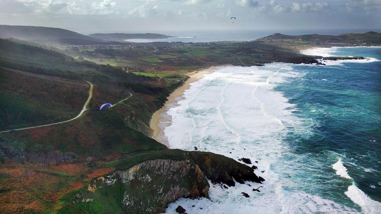 .Vista aérea de la playa de Ponzos