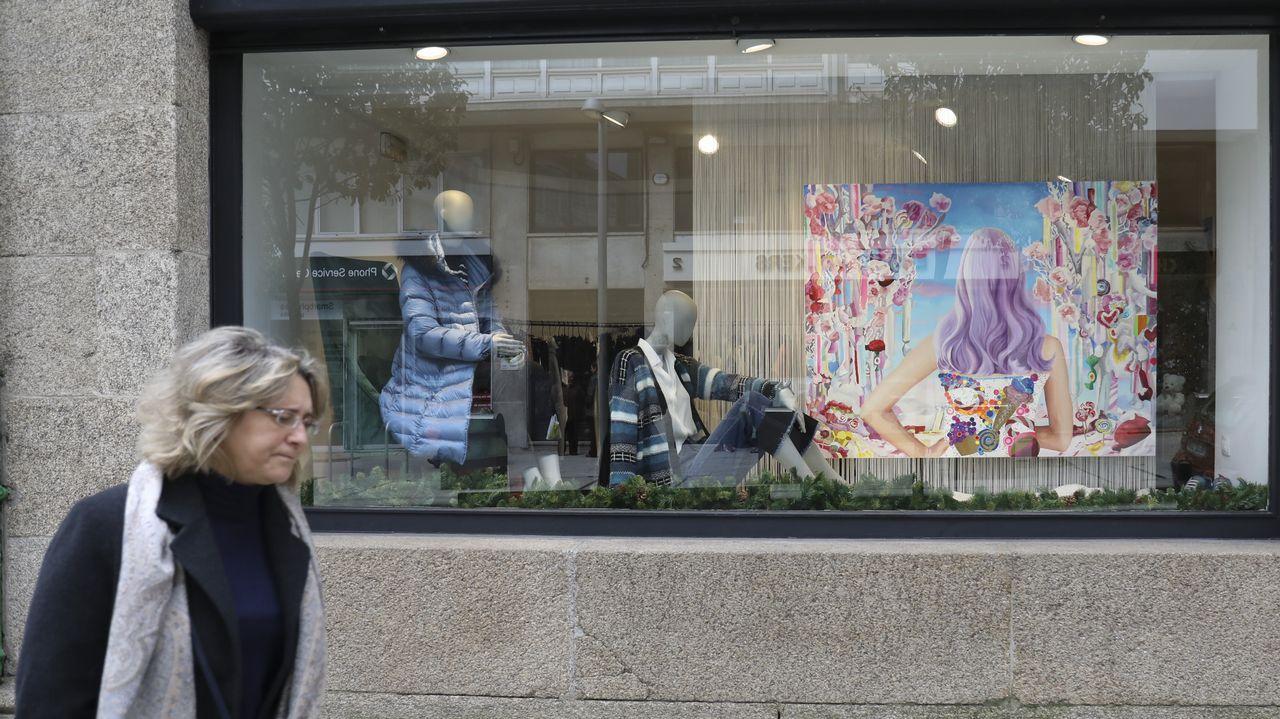 ¡Búscate en el concurso de disfraces de Camariñas! ¡Mira el álbum!.Colección de Freiría con la que visitó en el 2017 la Mostra