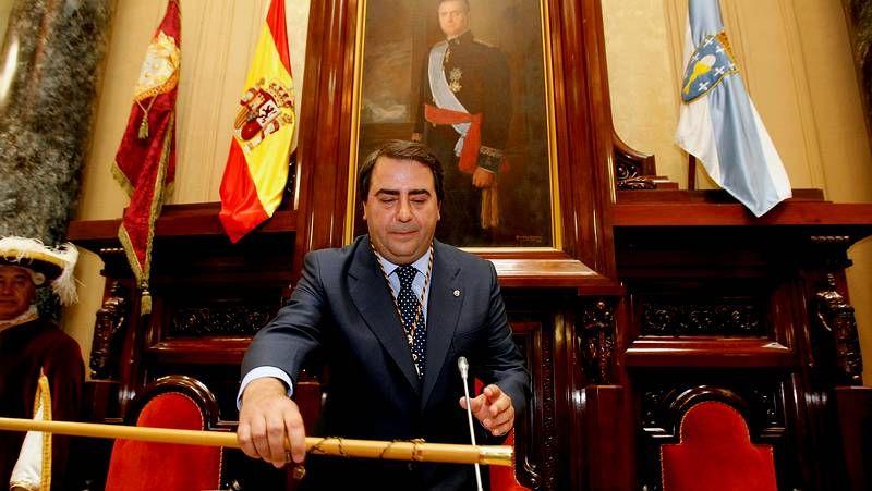 Condolencias a la familia de Adolfo Suárez.Mikel Buesa dando una conferencia en Ourense en el 2008