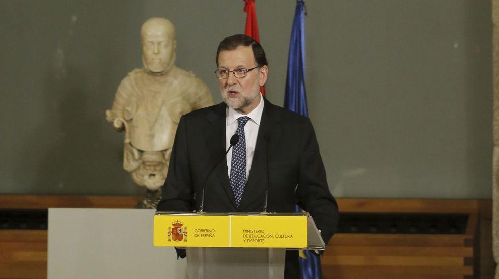 Aguirre: «No ha habido, que yo sepa, financiación ilegal del PP de Madrid».Rajoy, ayer jueves en el Museo del Prado, en el acto donde aseguró que se postularía como candidato a la investidura.