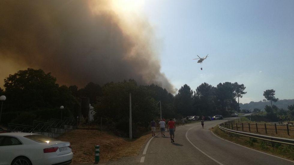 El incendio en Celanova esta en la carretera a Quintela de Leirado