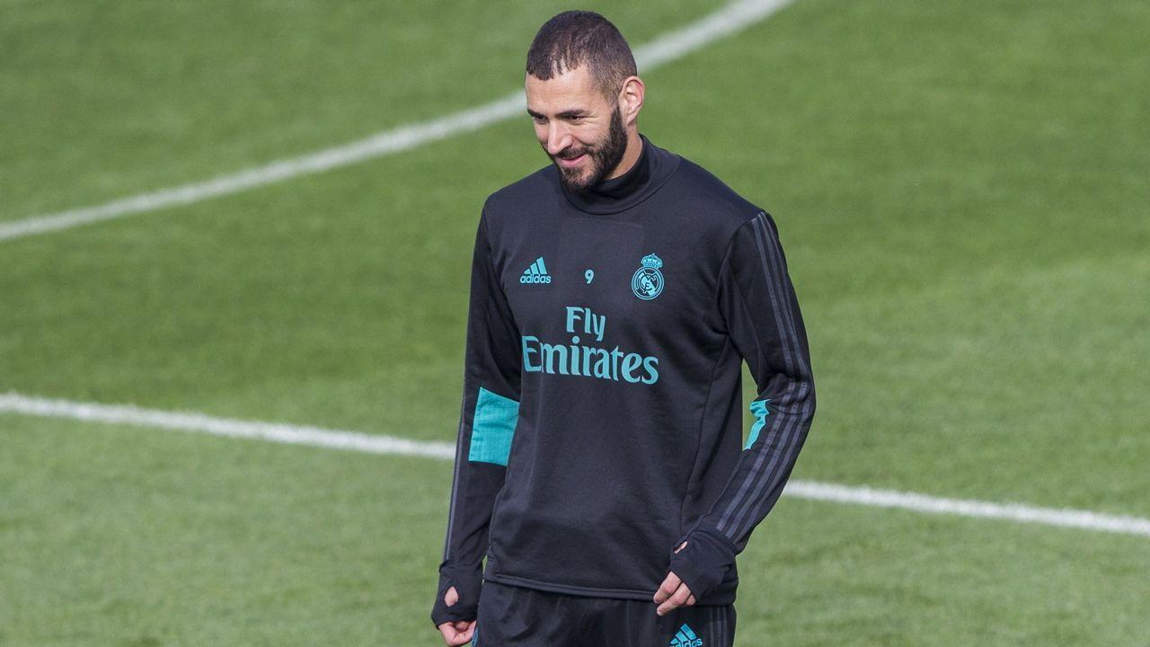 Zidane:  Las críticas a Benzema son una vergüenza .Andrés Iniesta