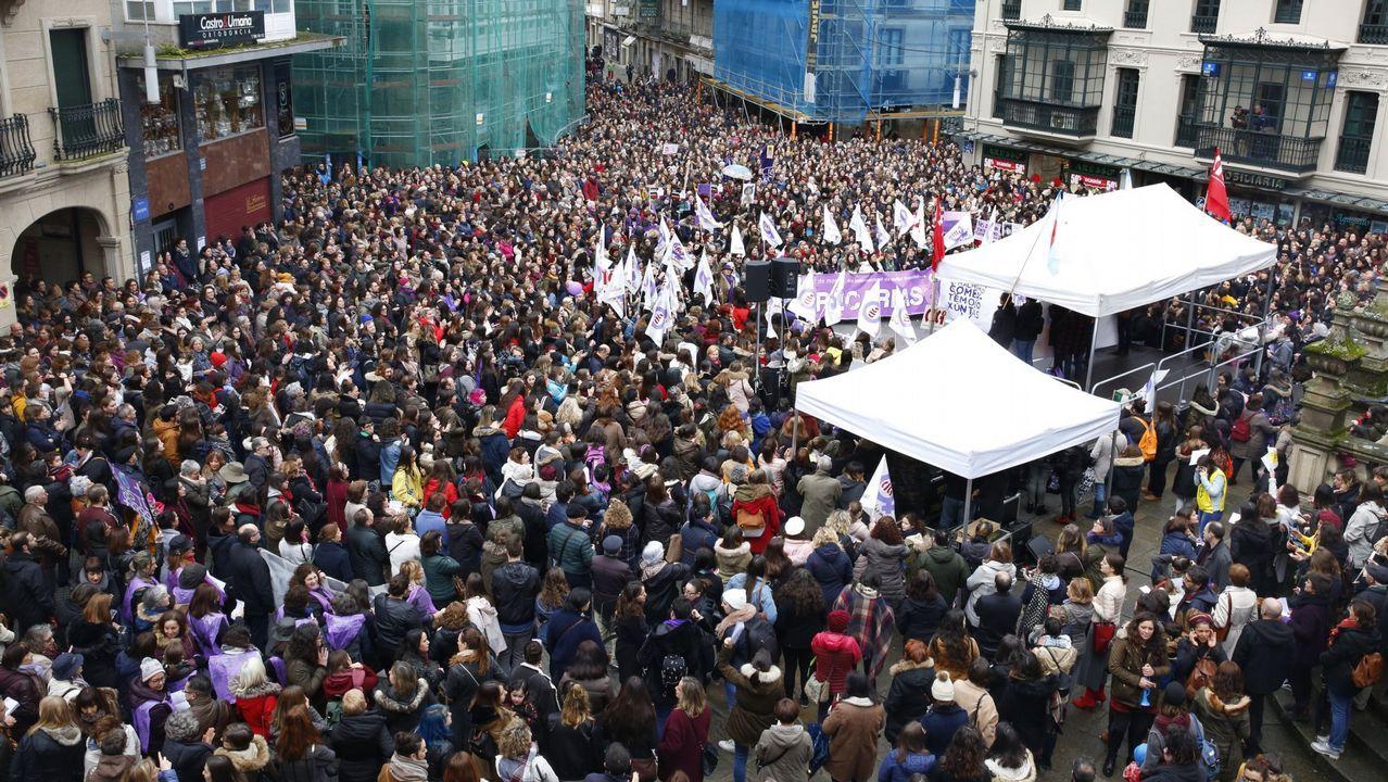 Presentación de la plataforma ?Feminismo, nin un paso atrás - Ourense? en el Liceo.Representantes de las organizaciones firmantes del manifiesto feminista en la Casa de Encuentros de las Mujeres de Gijón