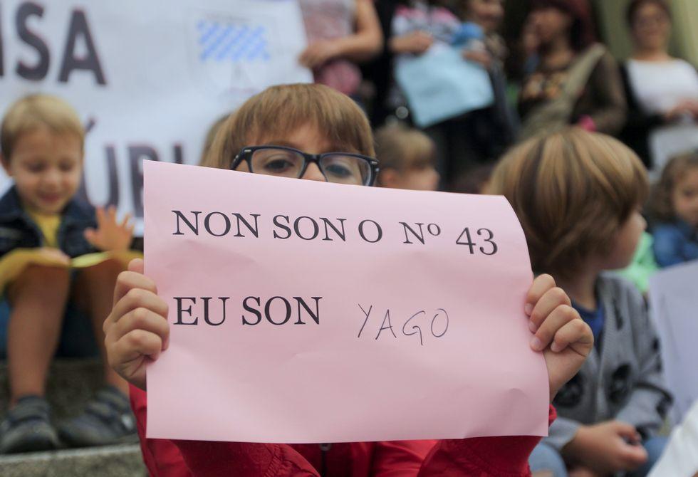 Una de las protestas de la comunidad escolar del centro de Recimil.