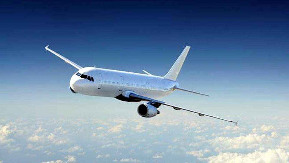 ¿Por qué los vuelos son más cortos hacia el este que hacia el oeste?