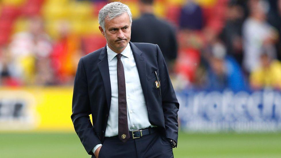 Mourinho: «Es difícil sin mi familia».Mourinho, tras ser expulsado la pasada jornada
