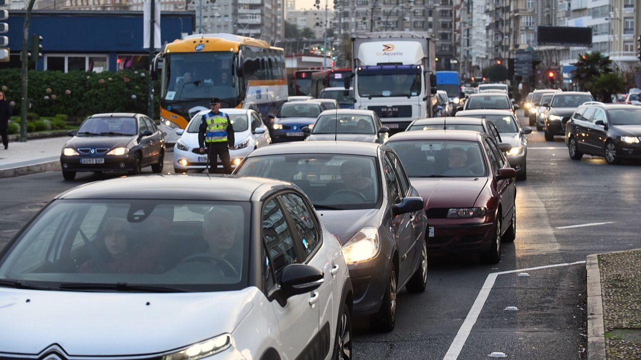 El colapso circulatorio en A Coruña, en imágenes
