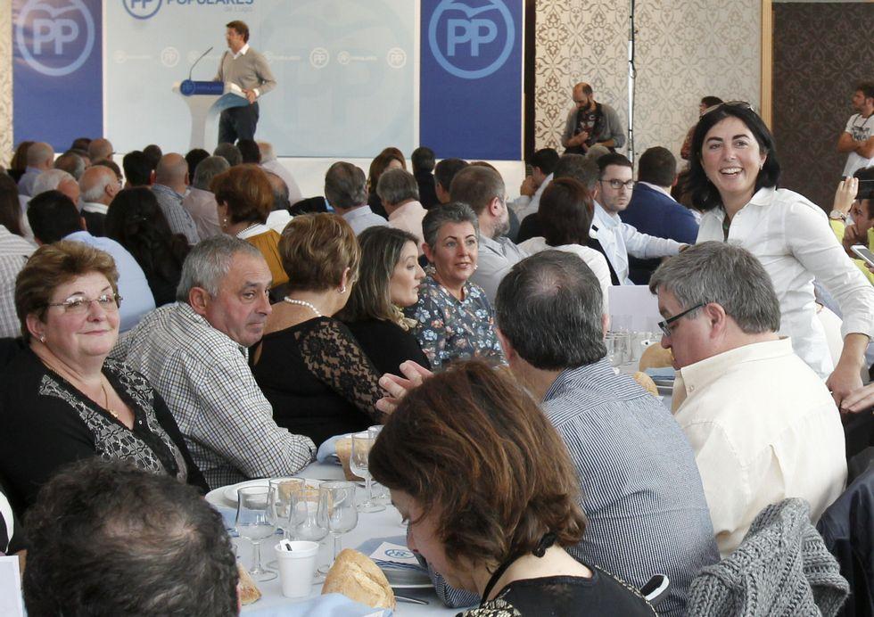 La ex presidenta de la Diputación Elena Candia, estuvo distendida